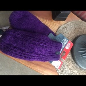 The North Face ladies Mittens